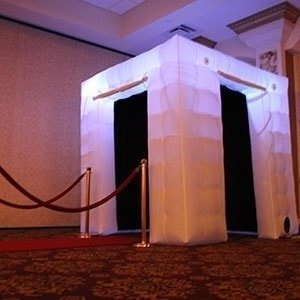 Enclosed Orlando Photo Booth